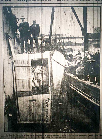 1915-07-27_Ev_Post_Life_Preservers_Photo_